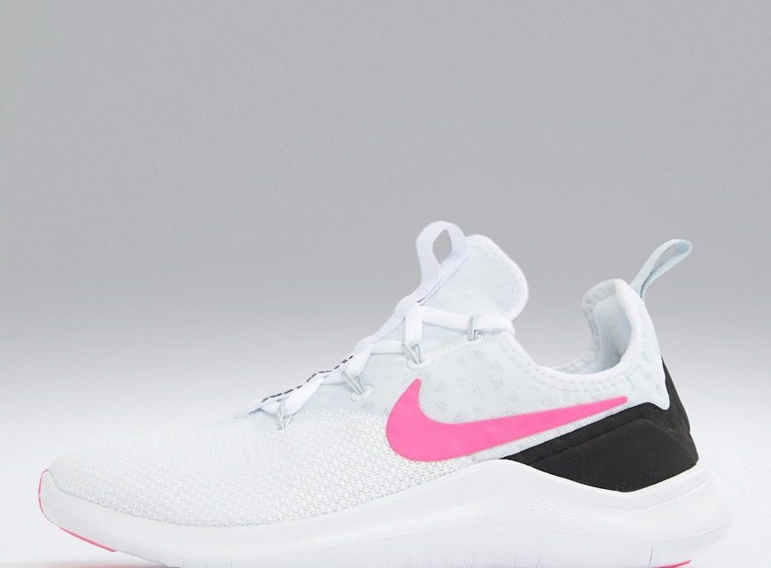 Nike Training - Free Tr 8 - Baskets avec logo virgule rose - Blanc